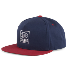 Studio Global Snapback - Navy/Red