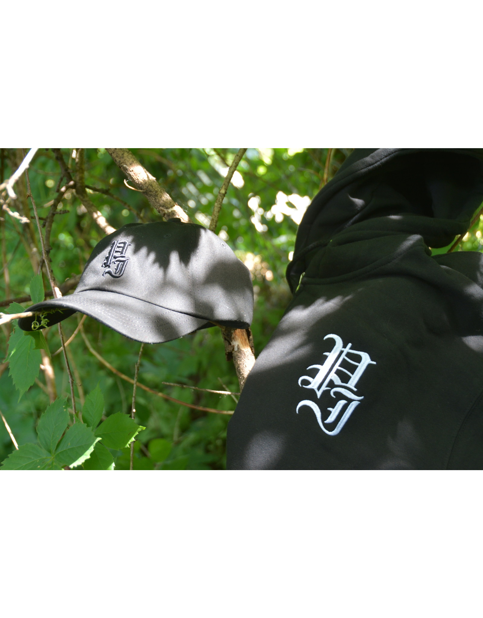 Palm Isle Stamp Zip-Hood - Black