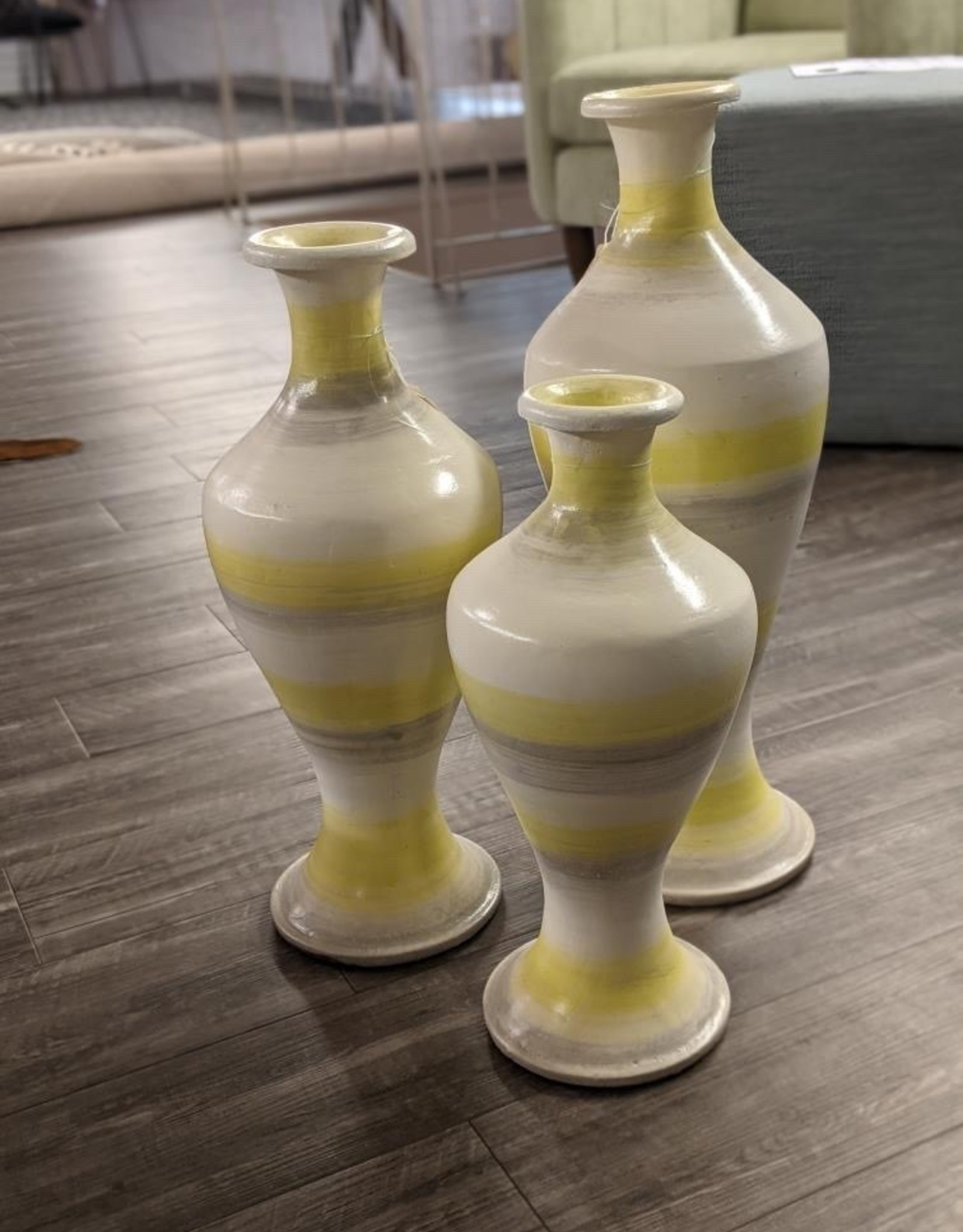 Nostalgia Vase Hourglass Shape Lime X-Small