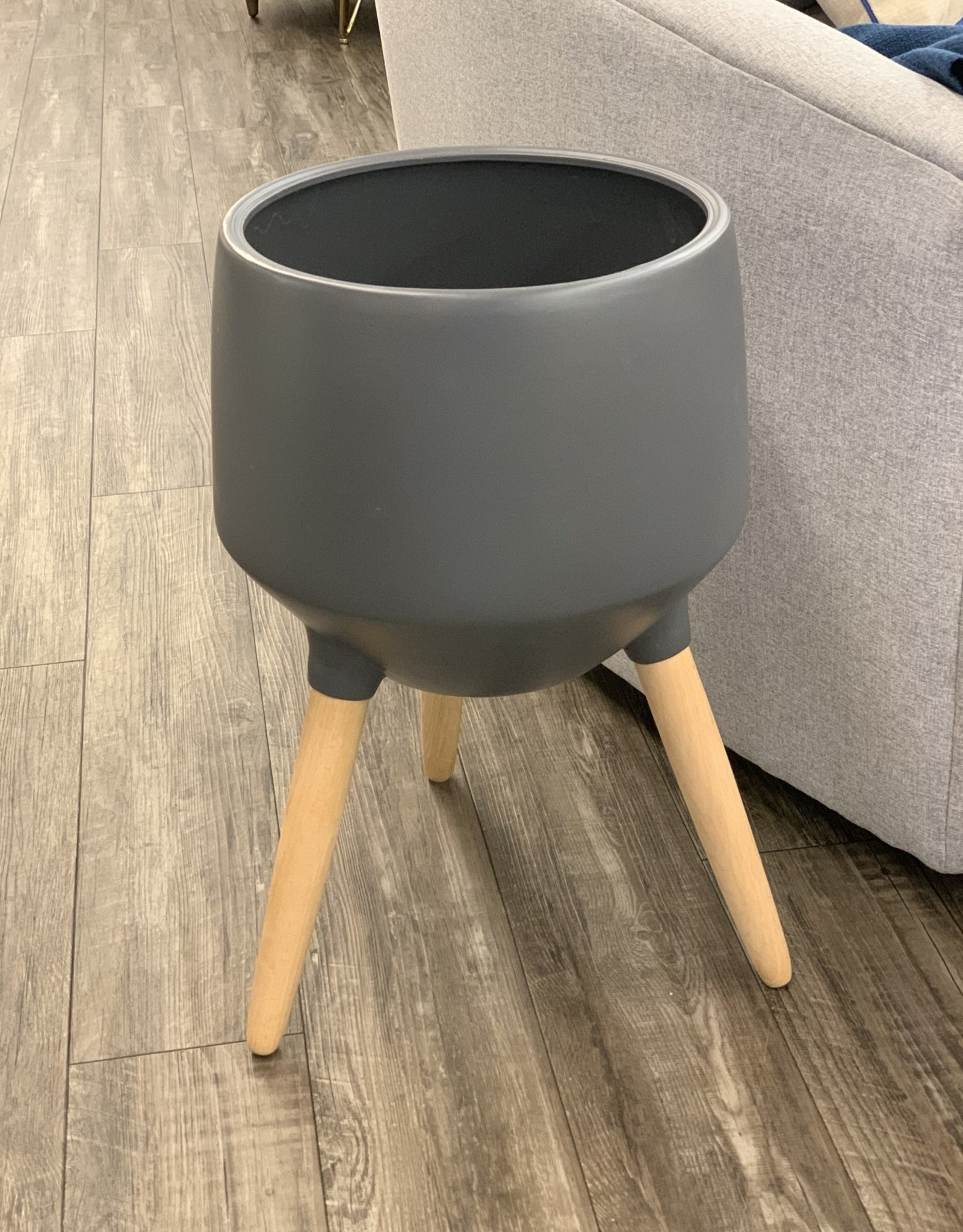 Style In Form Planter SIF Circa Base Charcoal AGW-018