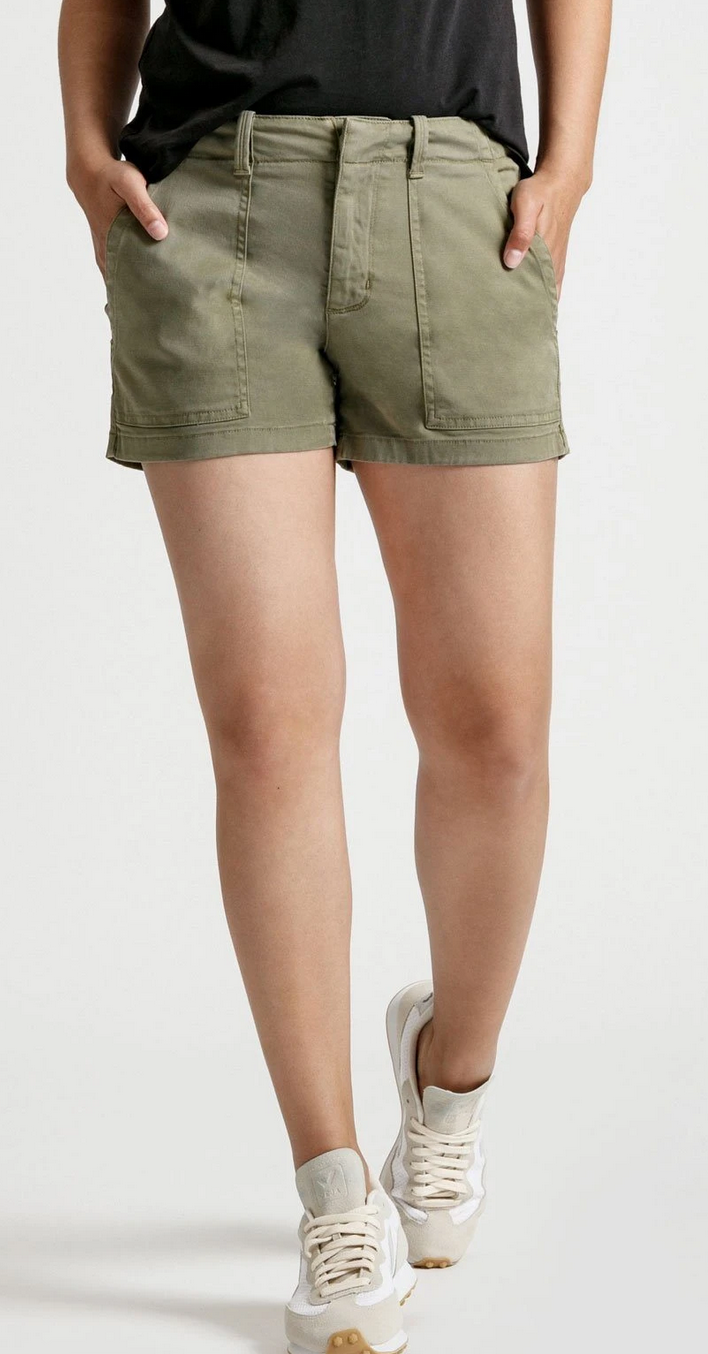 Women's Live Light Adventure Short-1