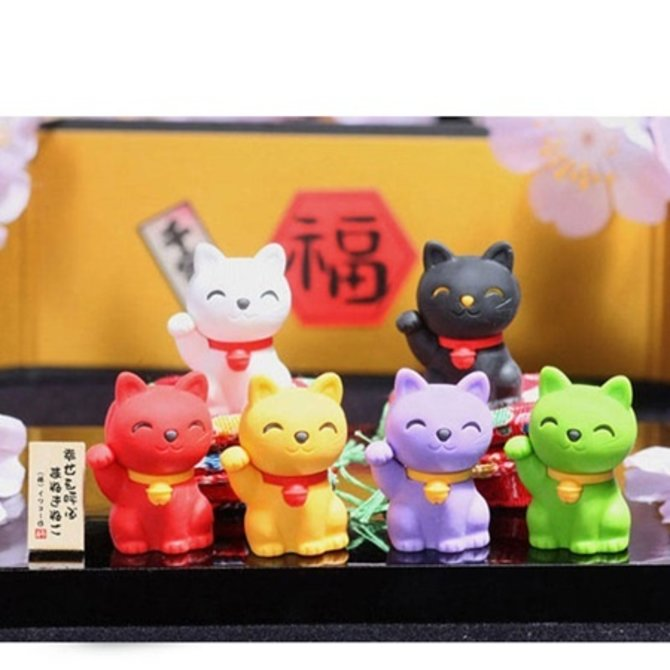 Miya Company Inc. Erasers Fort Cat Kokeshi (7pc)