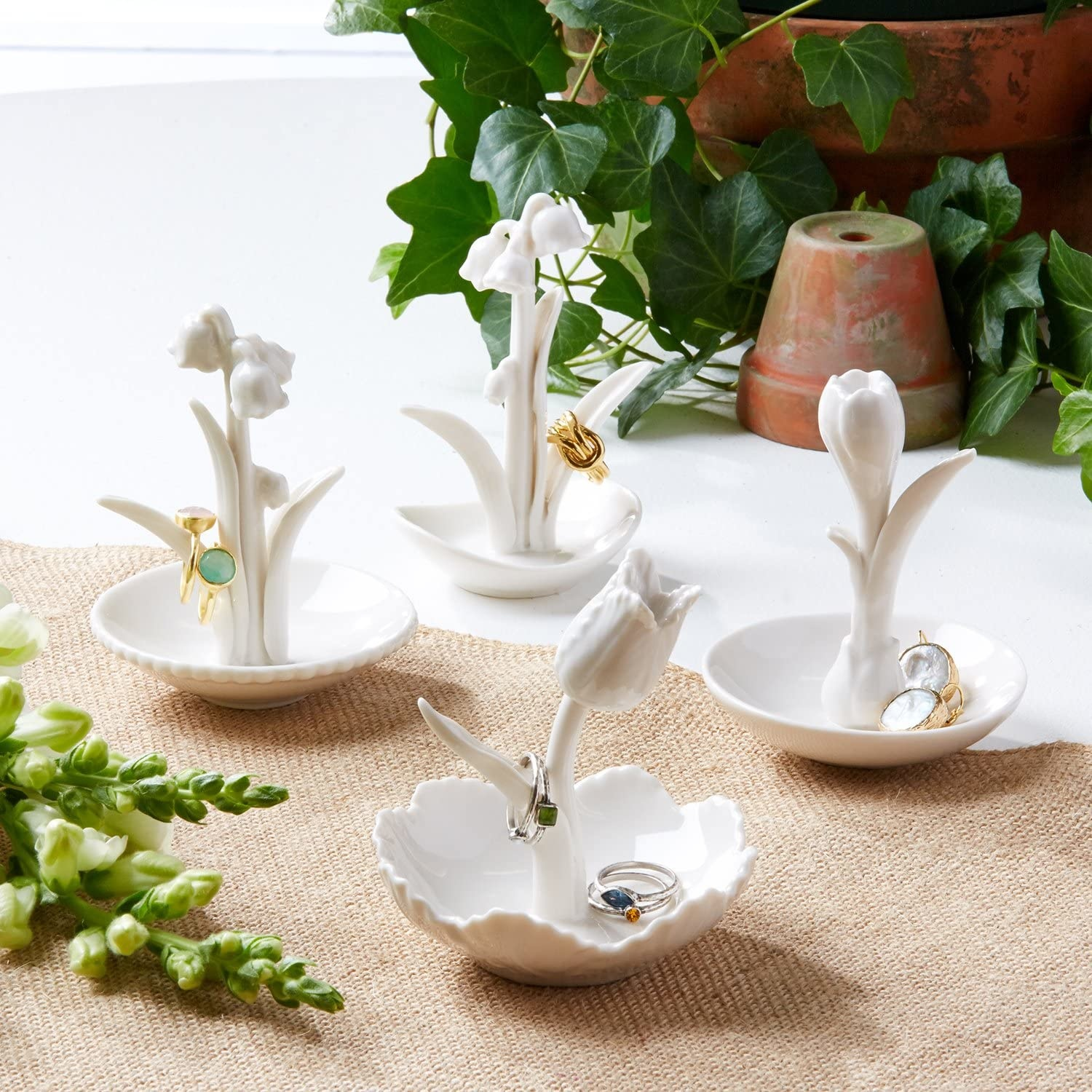 Two's Company Ring Me a Flower Ring Holder