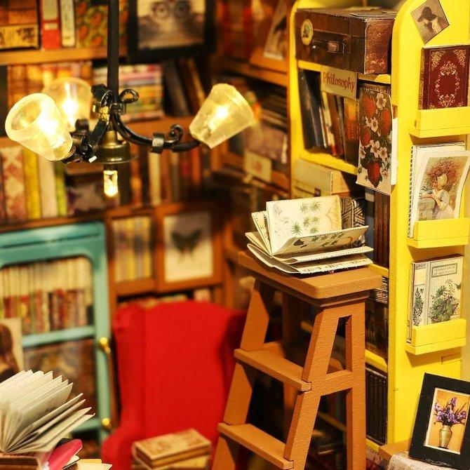 Hands Craft Sam's Study Room DIY Miniature Dollhouse Kit