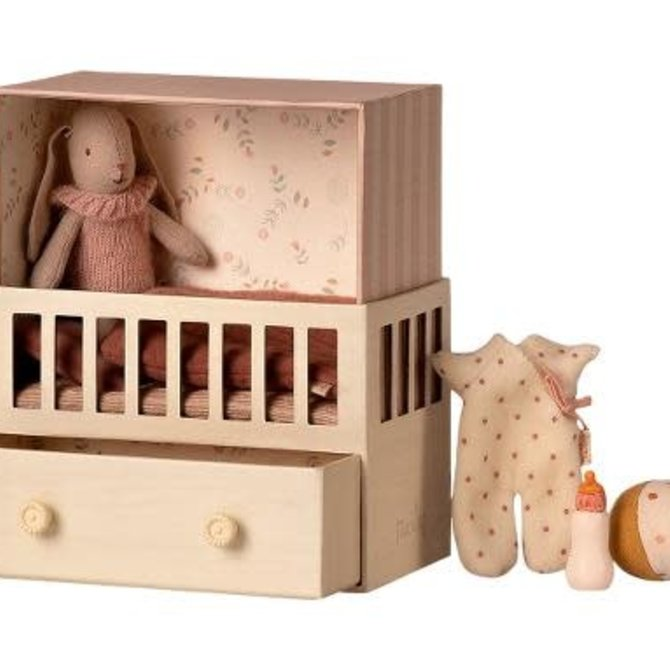 Maileg Baby Room w/ Micro Bunny