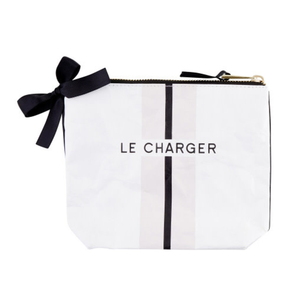 Tyvek Pouch, Le Charger