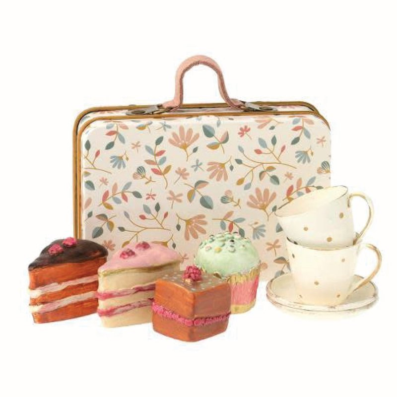 Maileg Cake Set in a  Suitcase