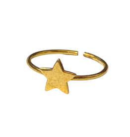 Gold Tone Star Ring