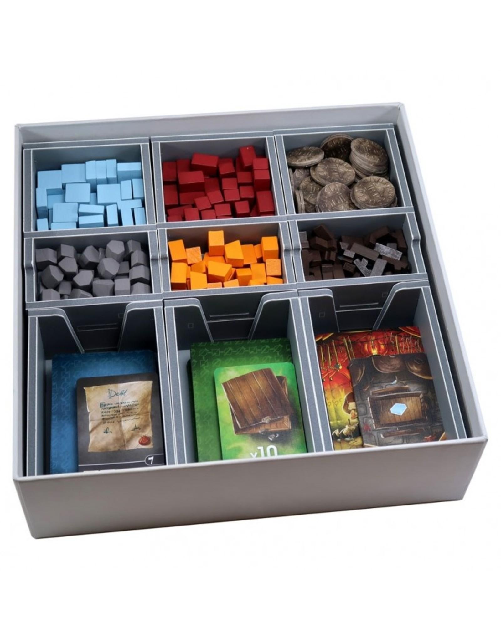 Folded Space Box Insert: Architects West Kingdom & Exp