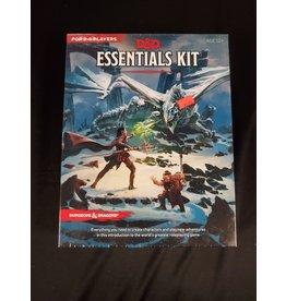 Ding & Dent D&D 5E Essentials Kit (Ding & Dent)