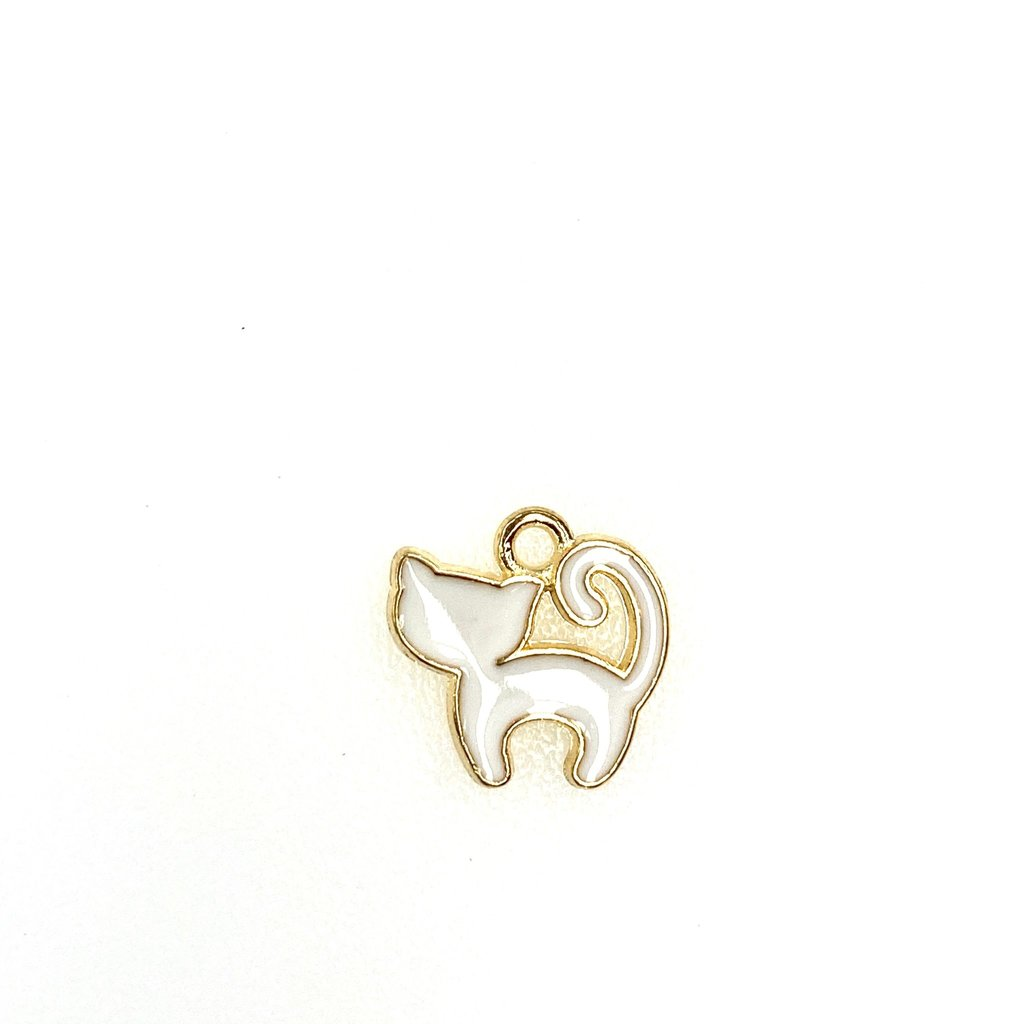 Bead World White Cat Enamel -Standing 14mm x 12mm 3pcs.