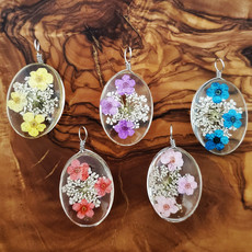 Small Dried Flower Pendant