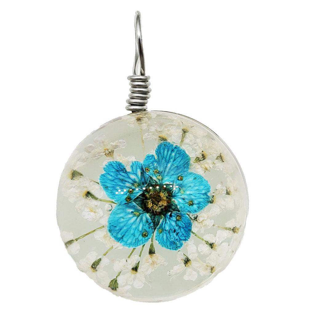 Round Dried Flower Pendant