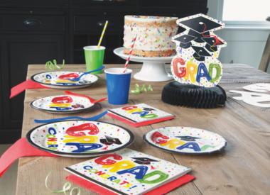 Graduation Plates, Napkins and Tablecloths