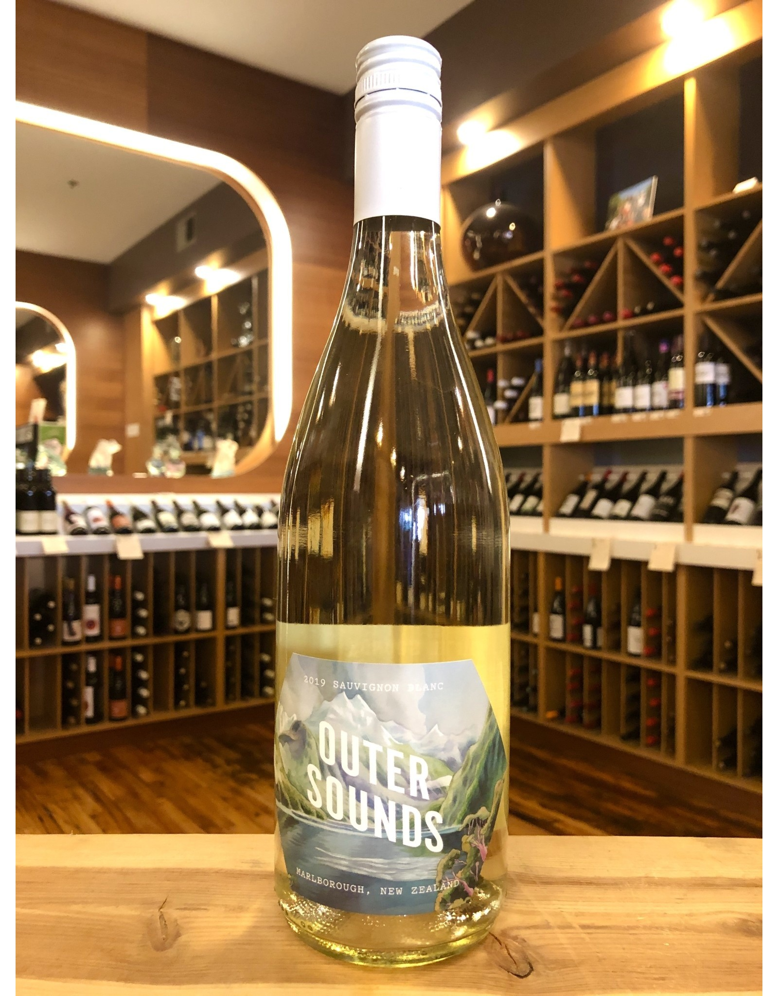 Outer Sounds Sauv Blanc - 750 ML