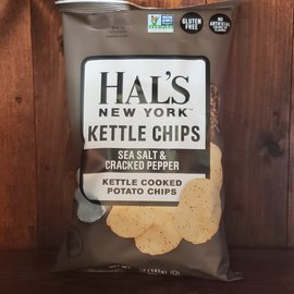 Hal's New York Sea Salt & Cracked Peper Kettle Potato Chips 5 oz