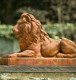 Classic Lion Statue