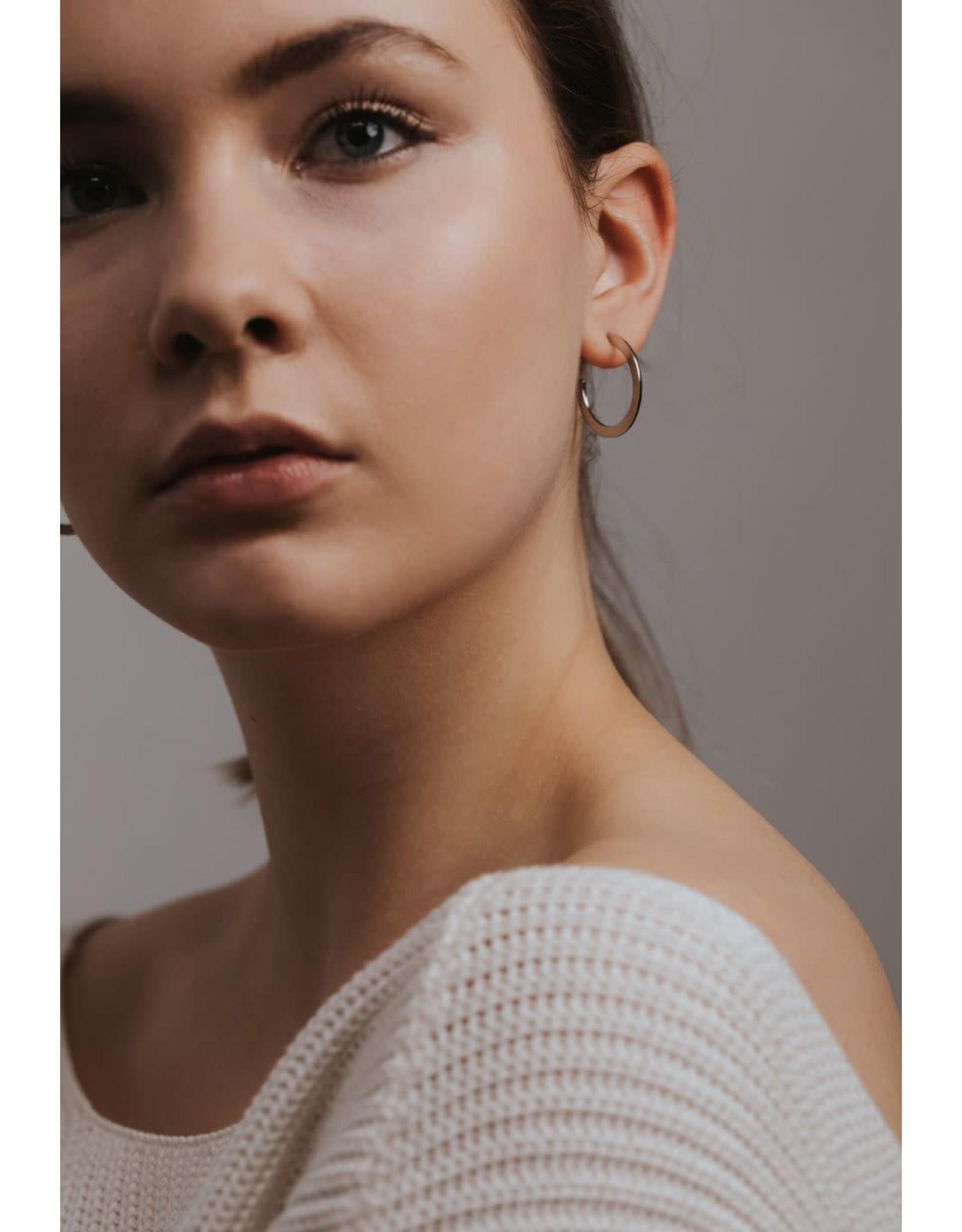 Lover's Tempo Gloria Lrg Hoop Earrings - Gold