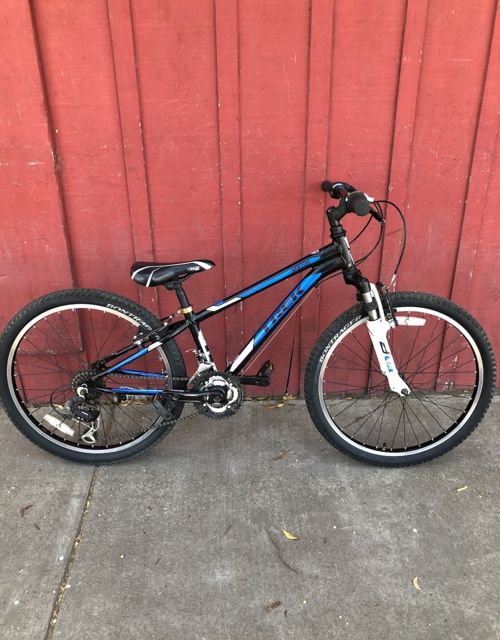 "Trek MT 220 - 24"" wheels"