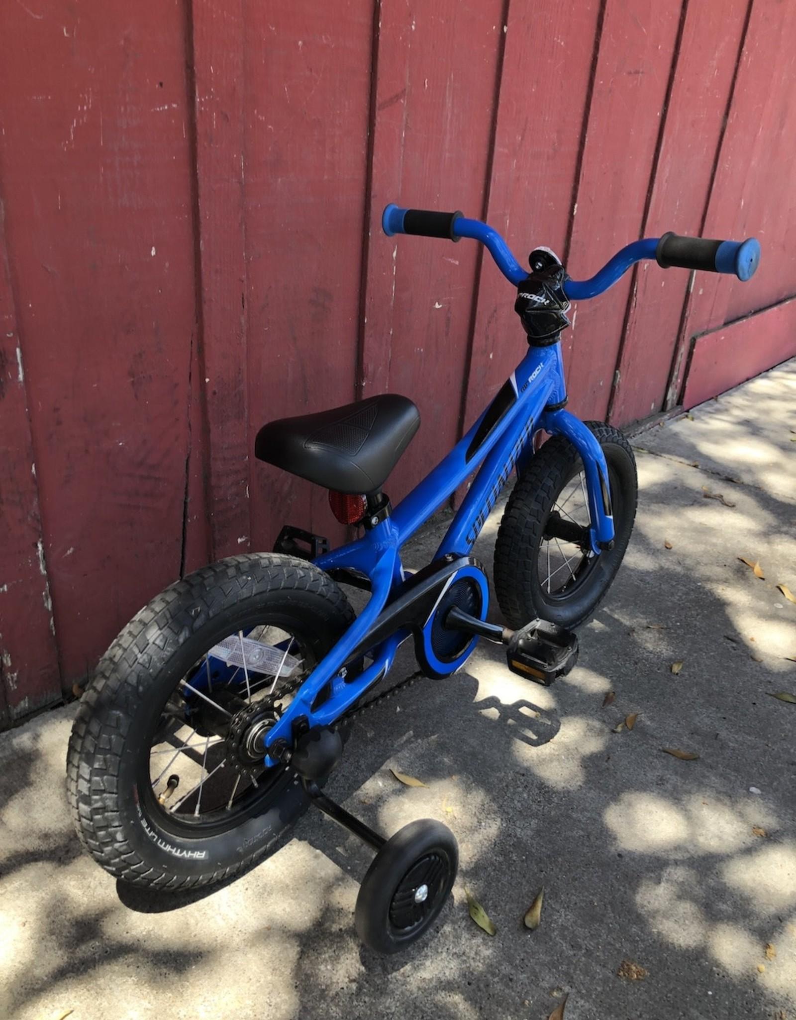 "Specialized Riprock -12"" wheels w/training wheels"