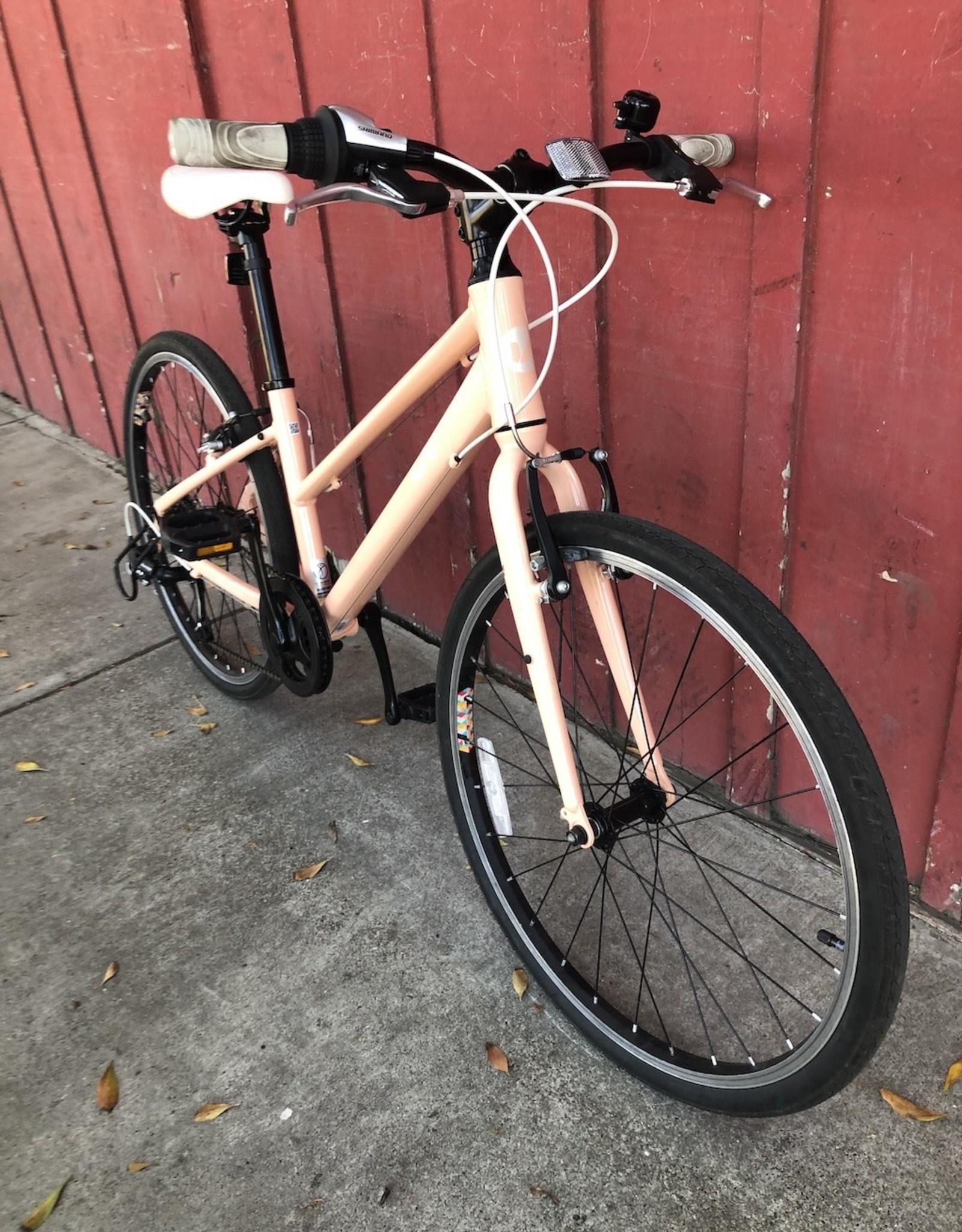 """Liv Alight - 24"""" wheels (peach)"""