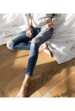 Veronica  Mid Rise Cropped Jeans