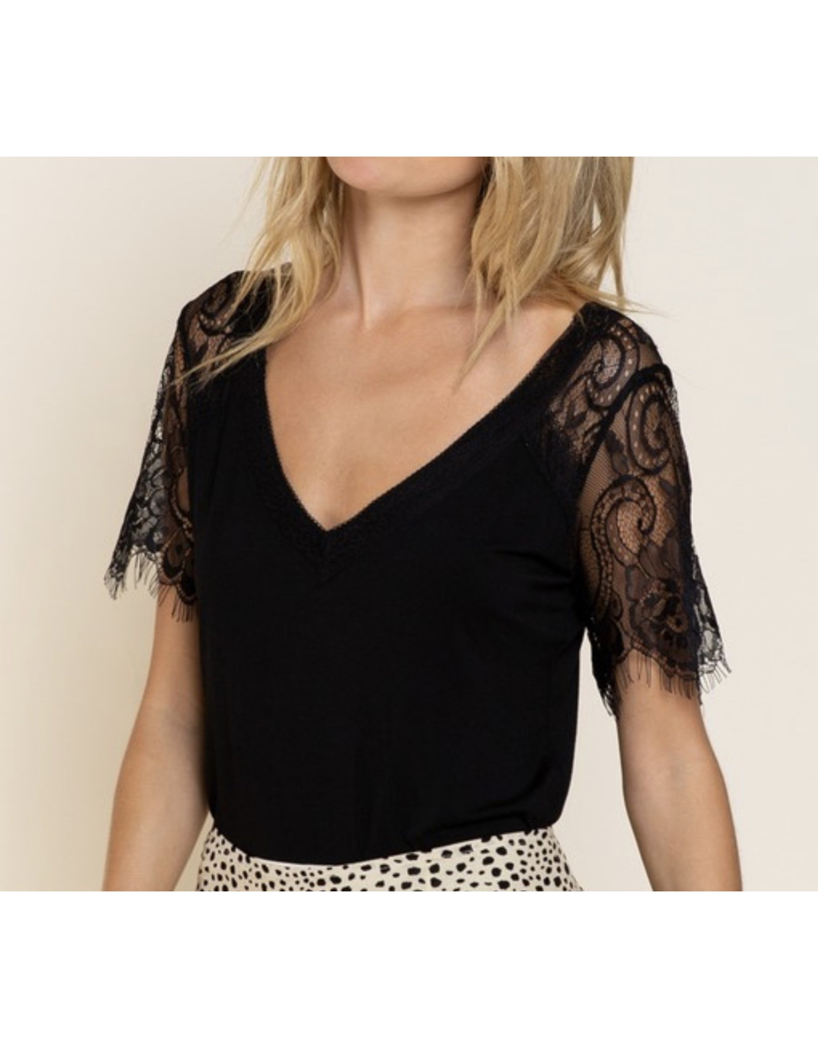 Lace Sleeves Tee - Black