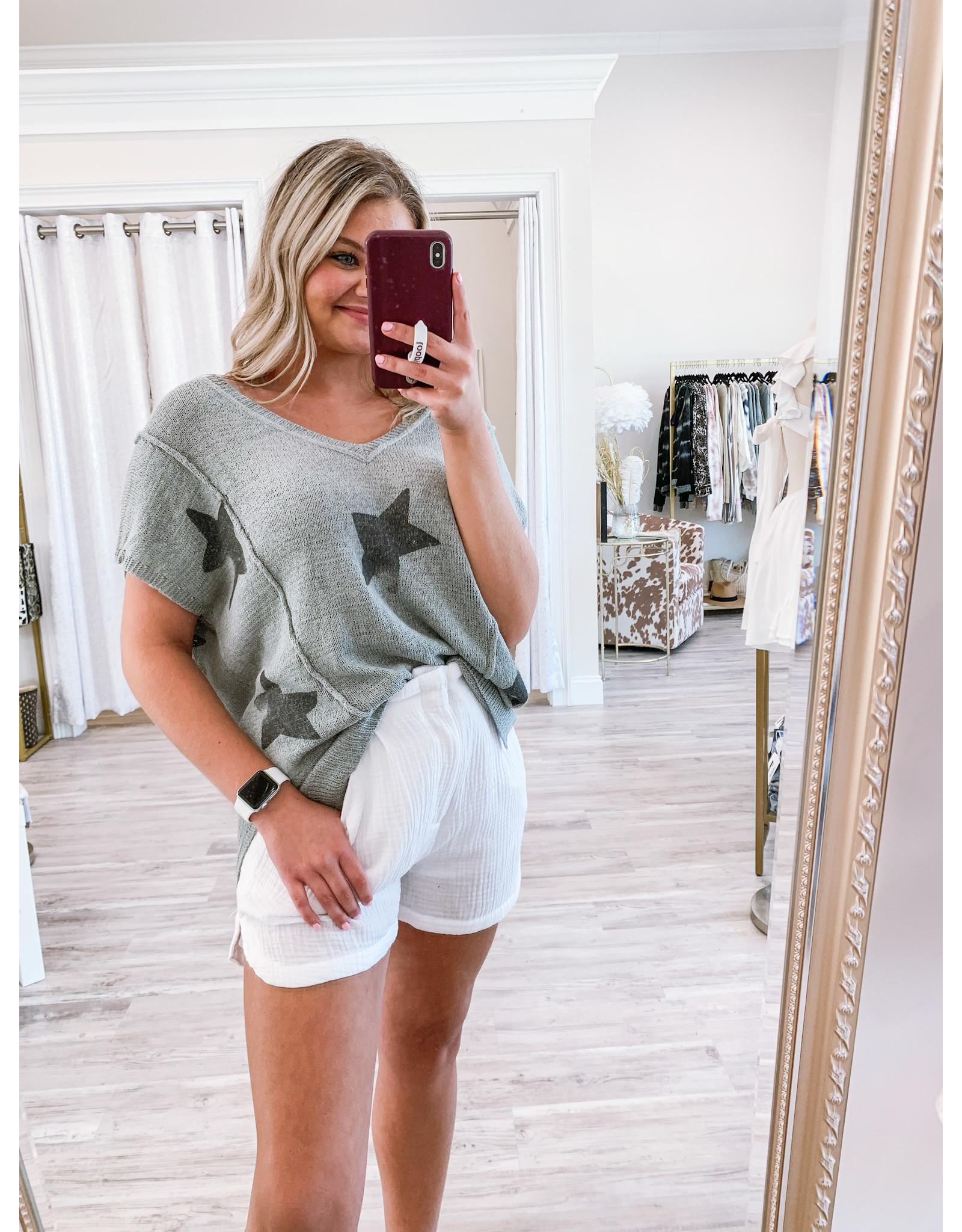 Sleeveless Star Sweater - Grey