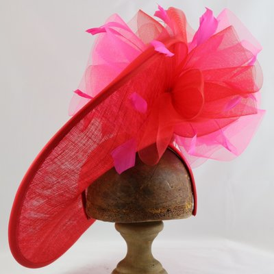 GIOVANNIO LARGE FASCINATOR WITH FLOWER TRIM