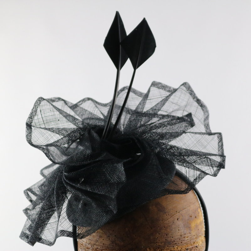 GIOVANNIO SWIRL FASCINATOR