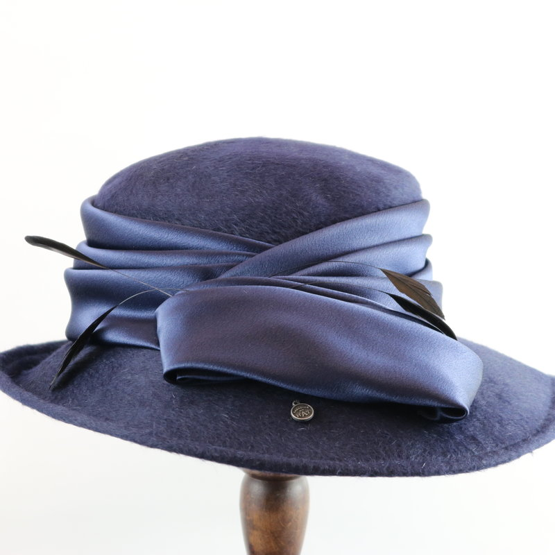 CANADIAN HAT FELT DRESS HAT WITH ASYMMETRICAL BRIM