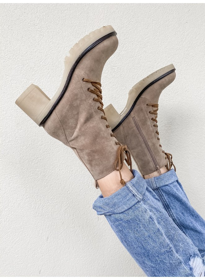 Fall Fever Lace Up Boots- Latte