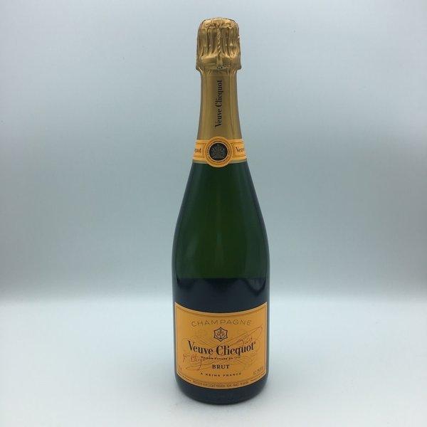 Veuve Clicquot Yellow Label Champagne 750ML
