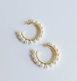 P and K Jewelry Pearl Mohawk Hoops Gold