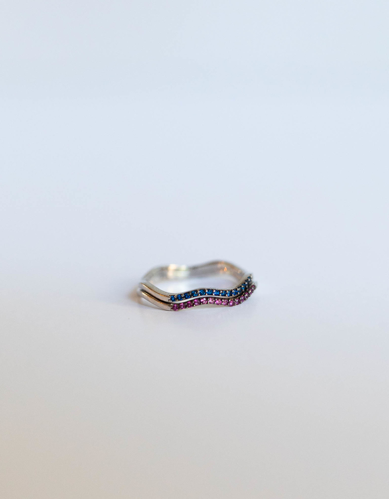 P and K Jewelry Silver Wavy Gem Ring