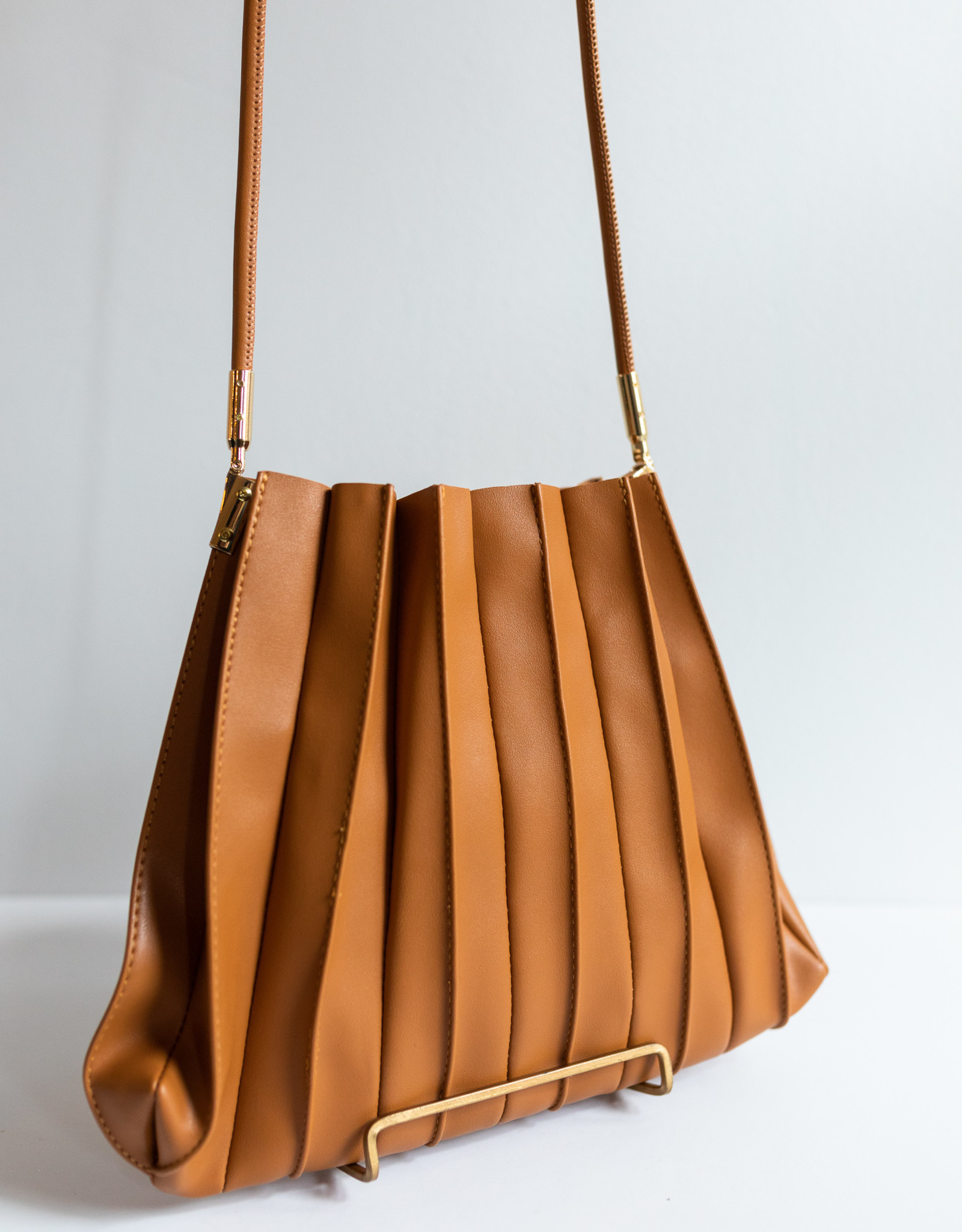 Melie Bianco Carrie Pleated Tan