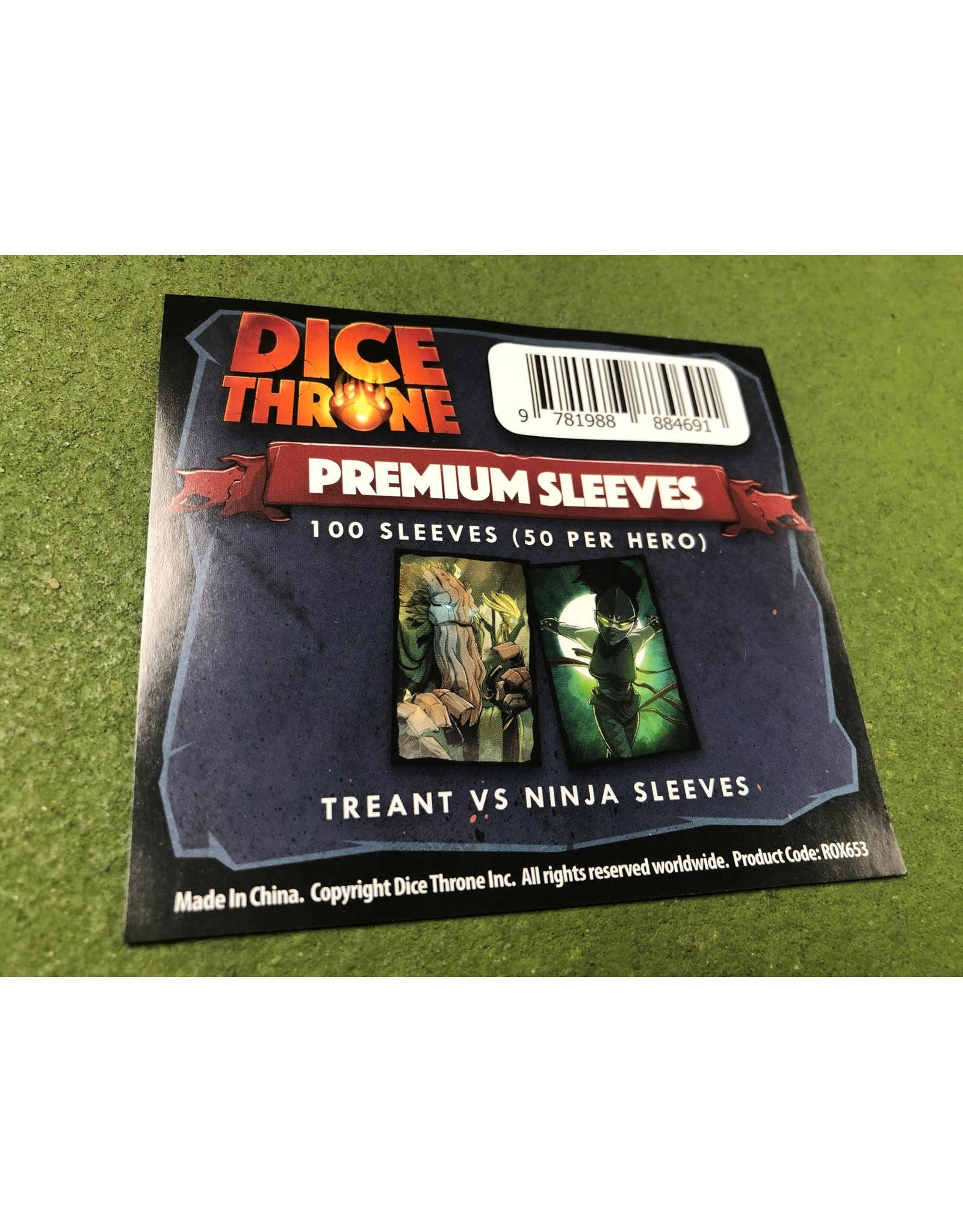Roxley Game Labs Dice Throne Treant Vs. Ninja Sleeves
