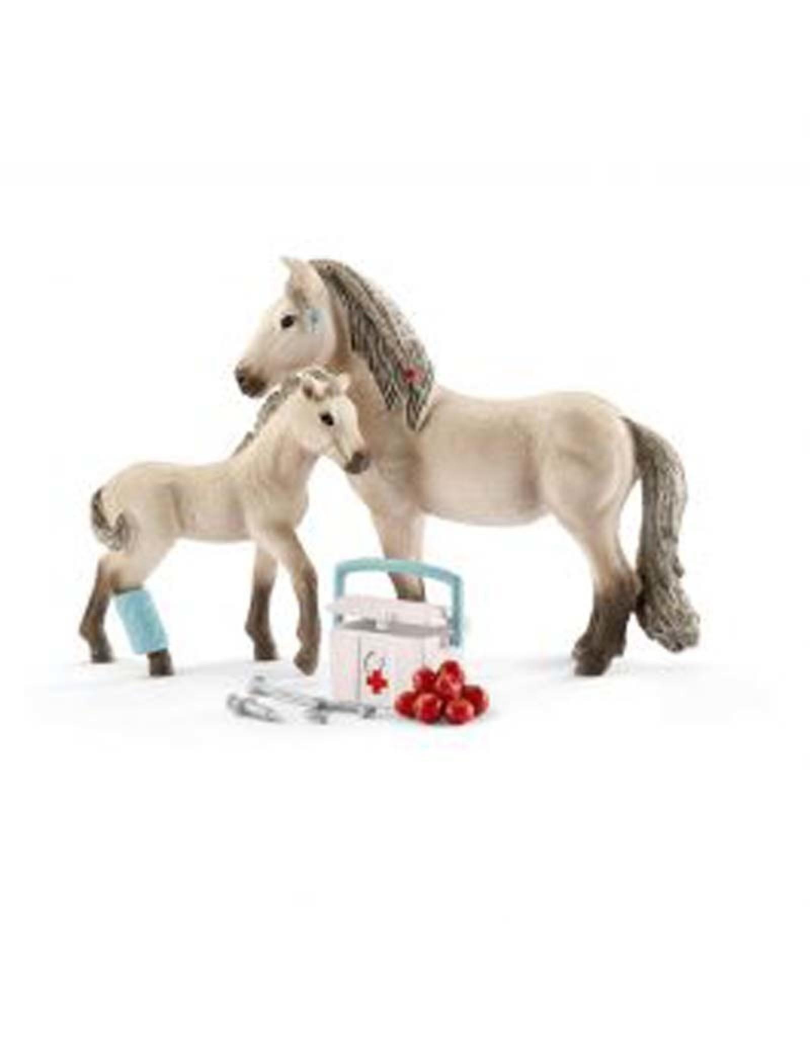 Schleich Horse Club Hannah's first-aid kit