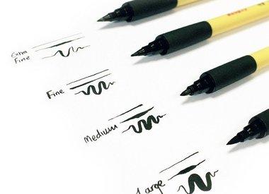 "Kuretake ""Fude"" Calligraphy Pens"