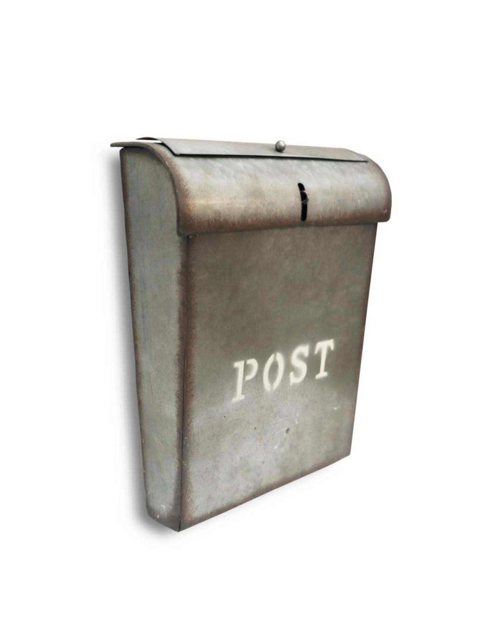 Boîte aux lettres en métal rustique (POST)