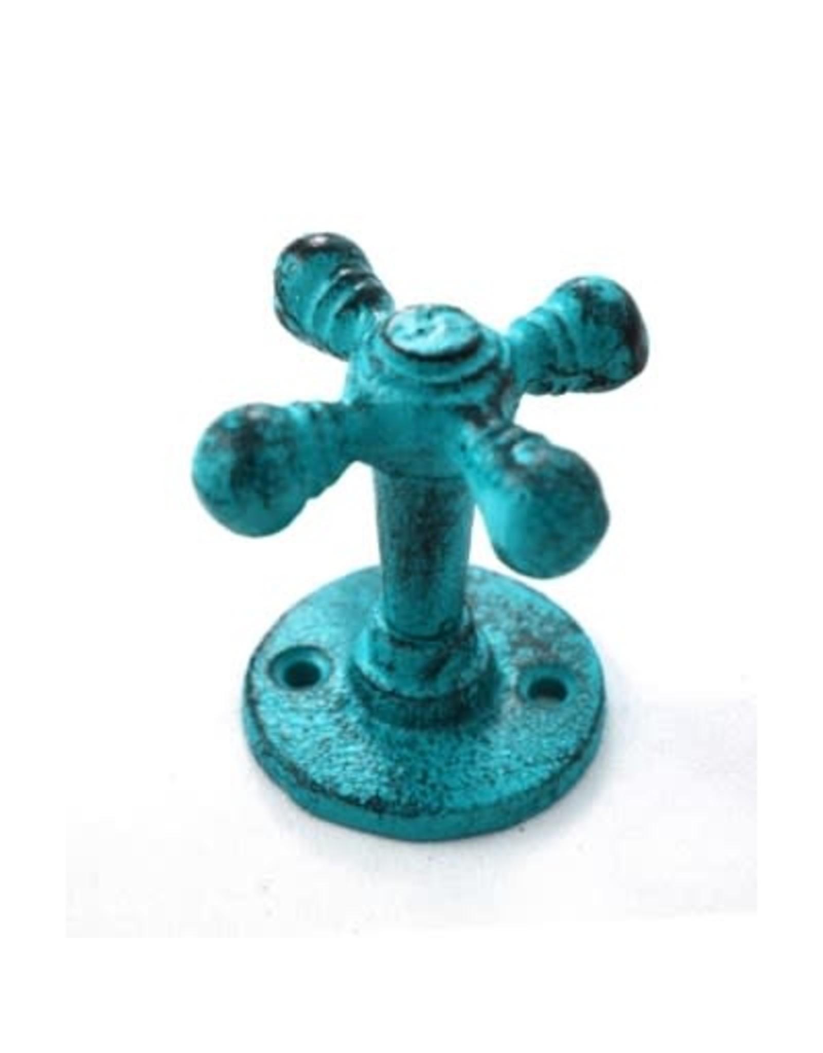Crochet robinet bleu