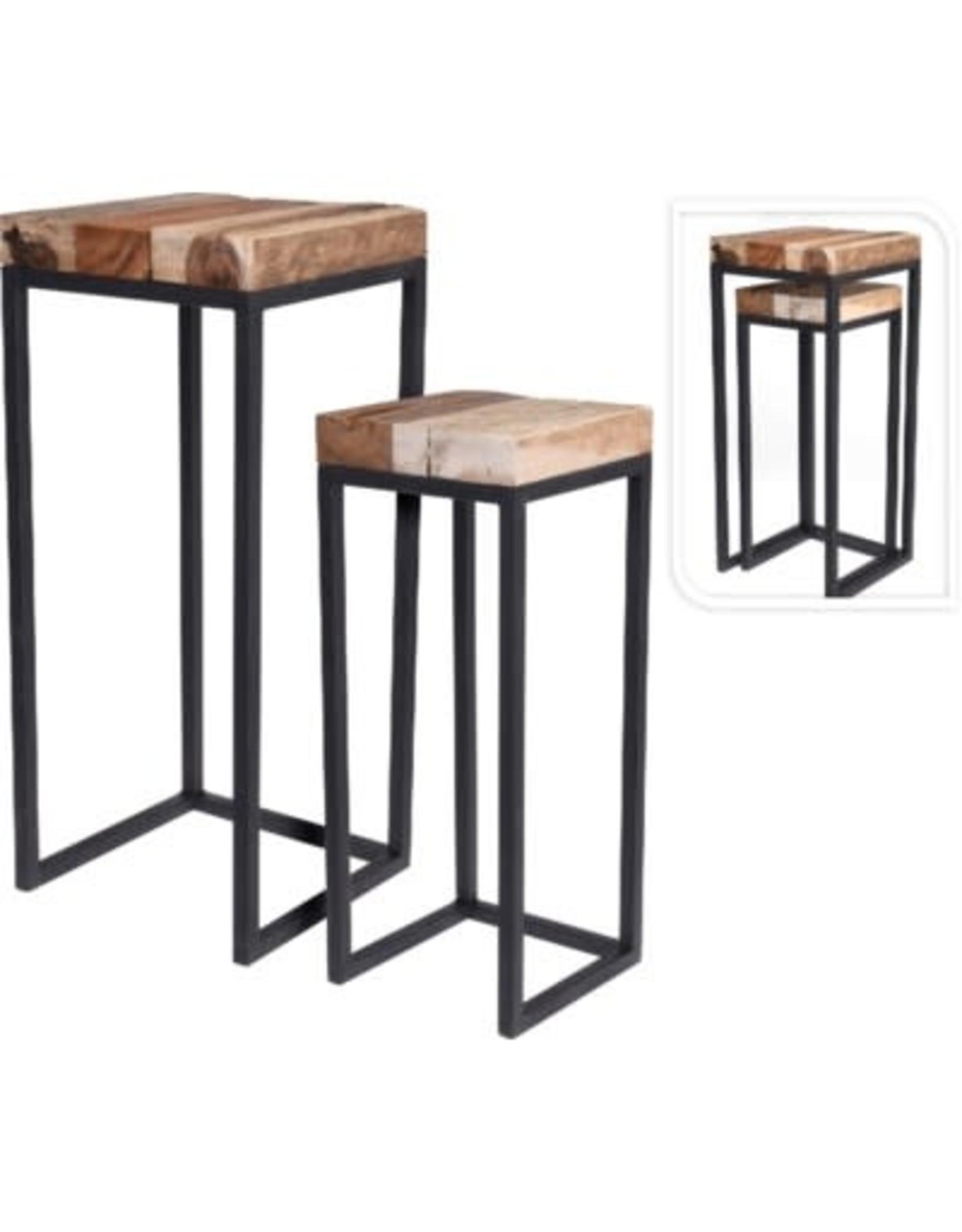 Tables d'appoint en bois (teak)