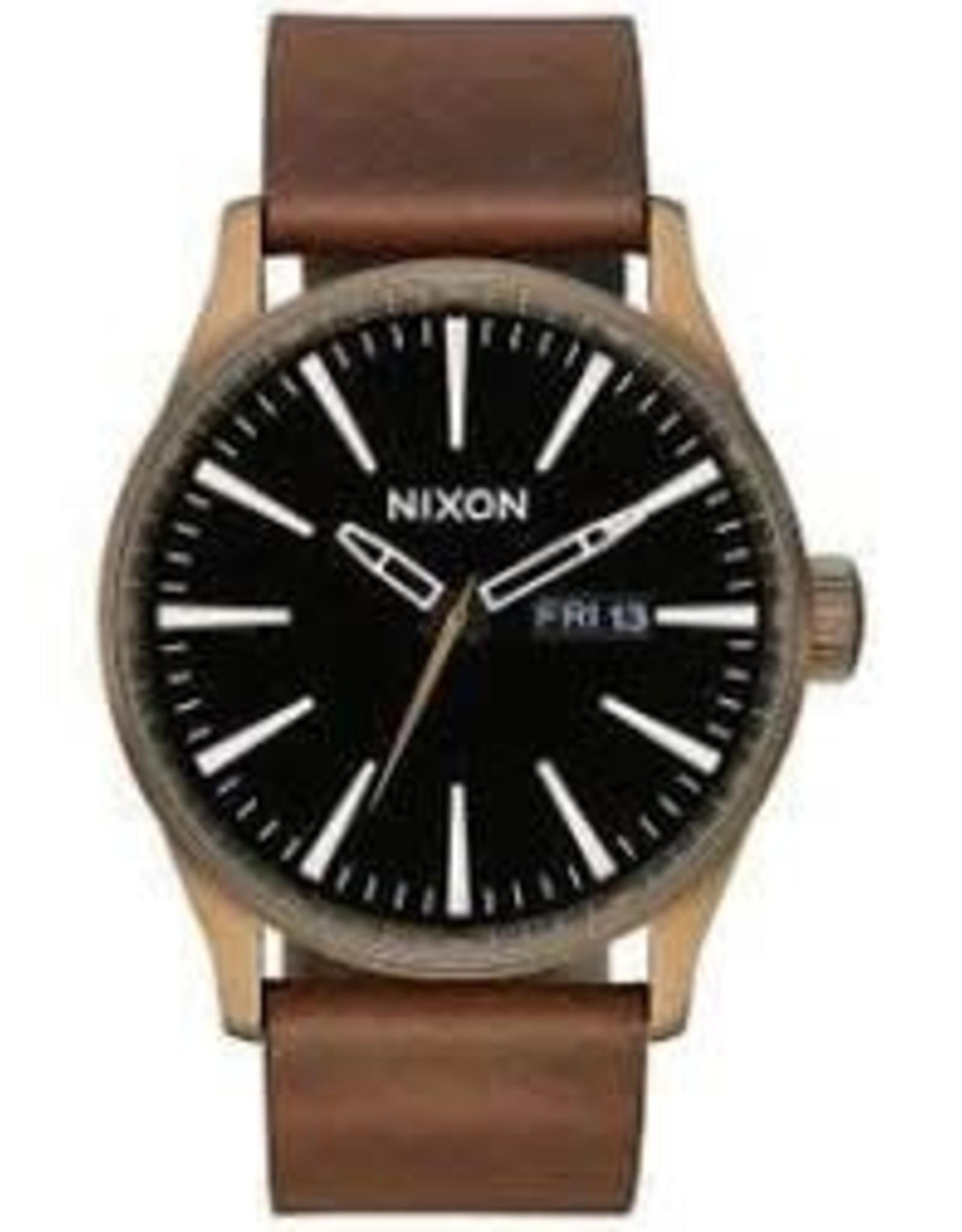 nixon nixon sentry leather watch brass/black/brown