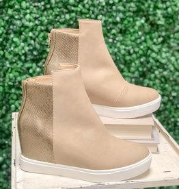 Turning Sneaker w/ Heel