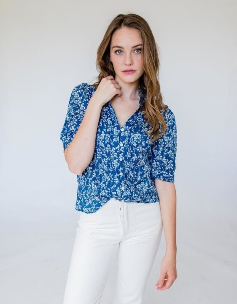 BOP Elouise Blue/White Floral Pintuck Top