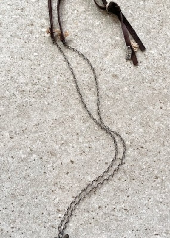 CLP CN222 Adjustable Arrowhead on Silver Chain/Leather Necklace