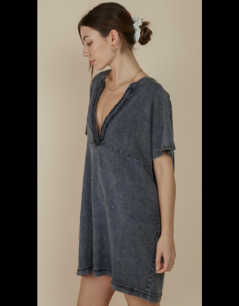 Blue Blush Blue Blush Washed V Neck Short Sleeve Mini Dress IBD06128