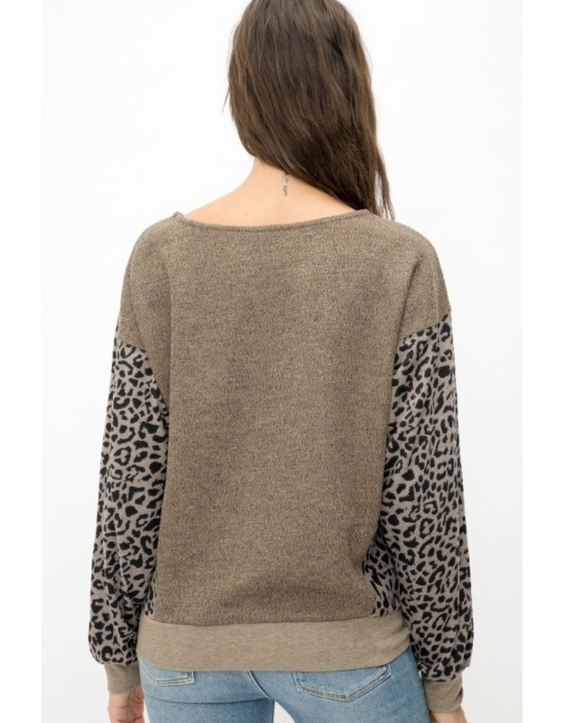 Mystree Mystree Heathered Knit Pullover w/ Printed Sleeve