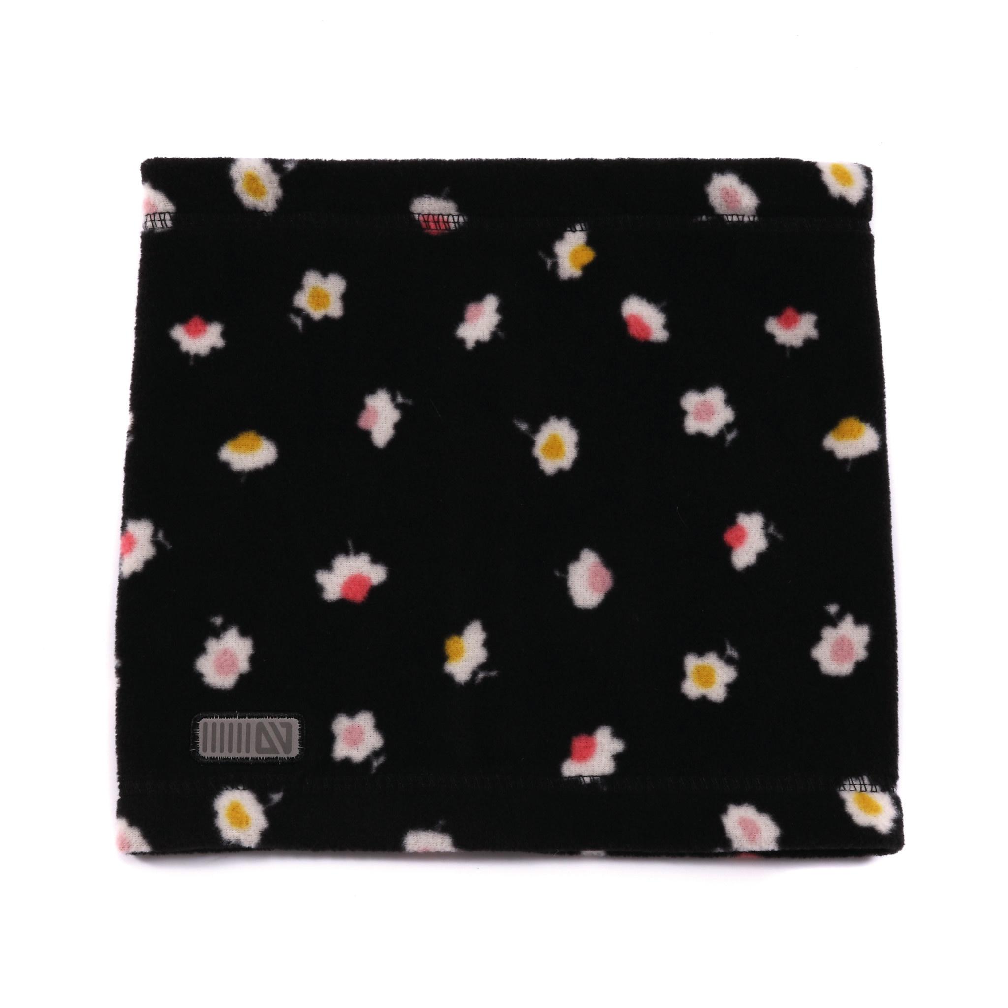 Cache-Cou en polar Noir Fleurs-1