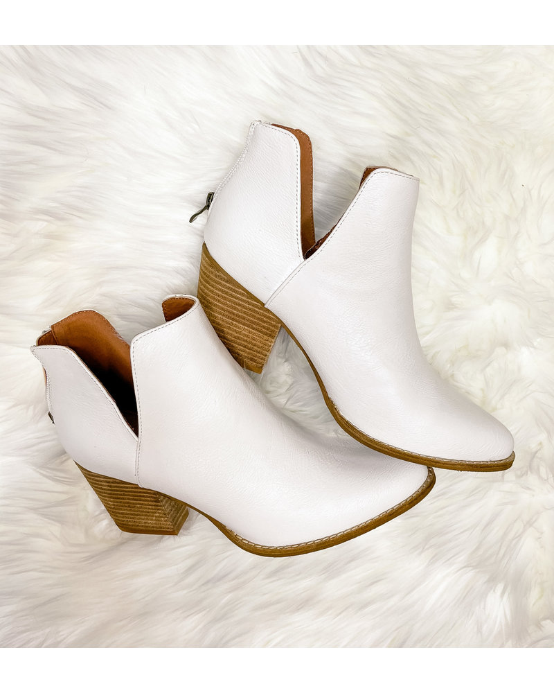 NOTCHED V  BOOTIES